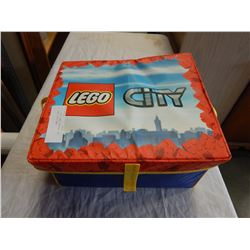 LOT OF LEGO SOME VINTAGE IN SOFT LEGO CITY CASE