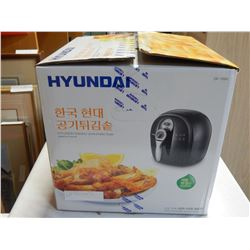 AS NEW IN BOX HYUNDAI AIR FRYER