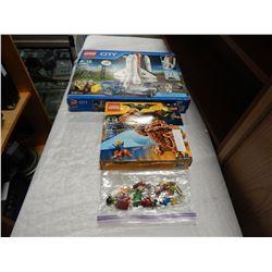 LEGO CITY SPACEPORT, BATMAN MOVIE AND 20 LEGO MEN