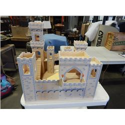 MELISSA AND DOUG WOODEN MEDIEVAL CASTLE