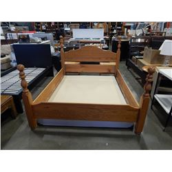 OAK QUEENSIZE BED FRAME