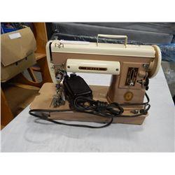 VITNAGE SINGER SEWING MACHINE