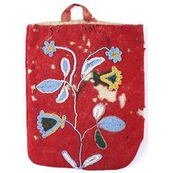 Crow Apsaalooke Whimsical Beaded Bag c. 1870-80