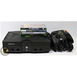 LOT OF XBOX AND ACCESSORIES