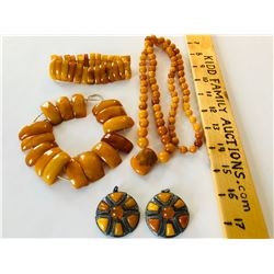 GR OF 5, AMBER JEWELRY ITEMS
