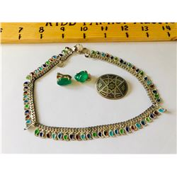 GR OF 3, SILVER & EMERALD COLOURED EARRINGS & NECKLACE, BROACH