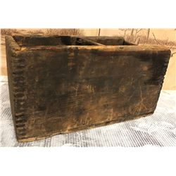 SMALL ANTIQUE DOVE-TAILED CRATE