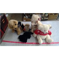 LOT OF ASSORTED STUFFED ANIMALS