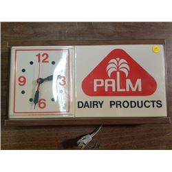 """Palm hanging clock (approx 19"""" x 10"""") WORKS BUT NO LIGHT"""