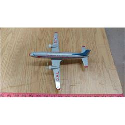 TIN AIRPLANE, OVERSEAS AIRLINES (BATTERIES, PROPELLERS TURN)