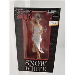 FEMME FATALES SNOW WHITE