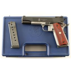 Smith & Wesson SW1911 .45 ACP SN: DKP0448