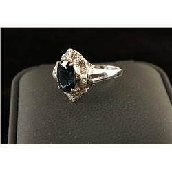 Timeless oval sapphire ring
