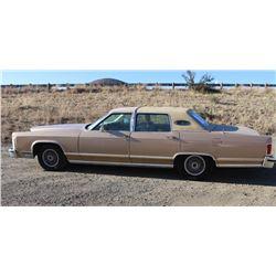 Lincoln Continenal Sedan