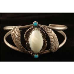 Navajo Mother of Pearl Cuff
