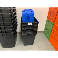 10 BLACK MASTERCRAFT 20 X 31 1/4 X 24 3/4 - 170L HEAVY-DUTY HINGED STORAGE TOTES