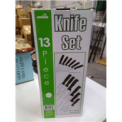 New Kitchen knife set with block