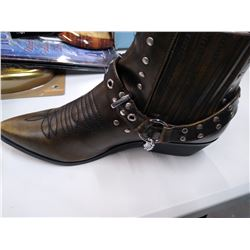 New  Women's C. Label Boots size 10