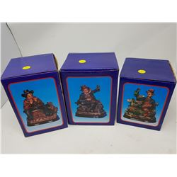 """LOT OF 3 FIGURINES (1 BOX IS 5.5"""" X 6.5"""", 2 BOXES 5.5"""" X 7"""")"""