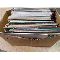 LOT OF ASSORTED RECORDS (NAT KING COLE, WAYEN NEWTON, ETC.)