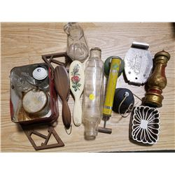 LOT OF COLLECTIBLES (2 TRIVETS, BRUSHES, ETC.)