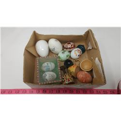 LOT OF DECORATIVE EGGS (SOME WOOD, PAPER, MARBLE)