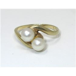 2.5 Gram 10 KT Yellow Gold Pearl Dinner Ring