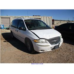 2000 - CHRYSLER TOWN AND COUNTRY