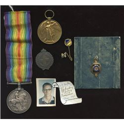 Militaria - Lot of 2 World War 1 Medals