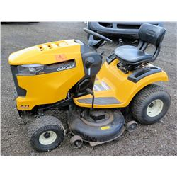 Club Cadet LT46 XT1 Enourd Series Riding Lawn Tractor Mower (Runs & Works See Video)