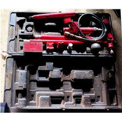 1/2 Ton Hydraulic Body Work Tools in Case