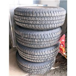 Qty 4 P235/70R16 104S Radial Tires on Ford 16x7J Rims