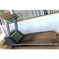 Quinto Fitness Equipment Club Track Digital Treadmill