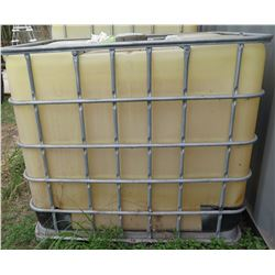 Plastic 265 Gallon Water Transport Carrier in Metal Cage