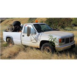 GMC 2500 White Single Cab Pick Up Truck FOR PARTS & Tires/Rims in Bed