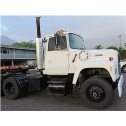 1992 Ford L9000 White Single Axle Truck Tractor w/ Cummins Engine & Air Brakes