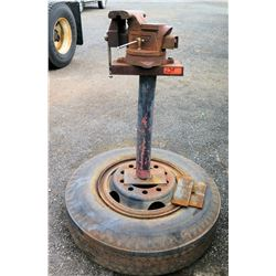 Alltrade Vise Clamp w/ Pipe Jaws on Tire Stand