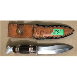 VINTAGE HUNTING KNIFE W / LEATHER SHEATH