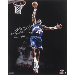 Karl Malone Signed Utah Jazz 16x20 Photo (Beckett COA)