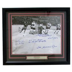 Gordie Howe  Bobby Hull Signed Chicago Blackhawks vs Detroit Red Wings 22x27 Custom Framed Photo wit