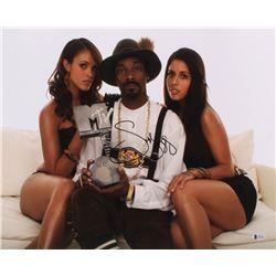 Snoop Dogg Signed 16x20 Photo (Beckett COA)