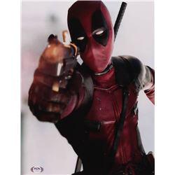 "Ryan Reynolds Signed ""Deadpool"" 11x14 Photo (PSA Hologram)"