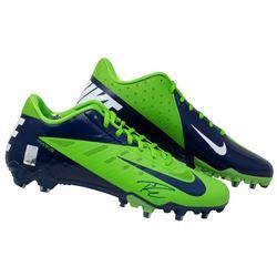 Russell Wilson Signed Nike Football Cleats (Wilson COA)