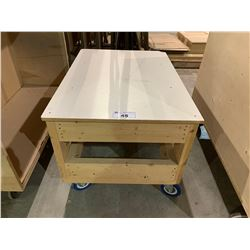 WOODEN MOBILE WORK BENCH