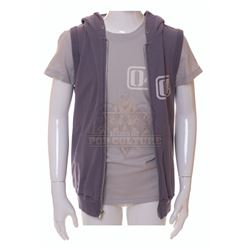 2012 – Noah Curtis' (Liam James) Ark #04 Hoodie & Shirt– V456