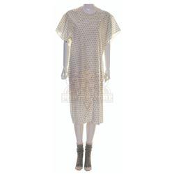 Stepmom – Jackie Harrison's (Susan Sarandon) Hospital Gown & Socks – VI612
