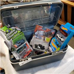 LOT OF NEW HOT WHEELS CARS AND SAMSONITE CASE