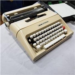 OLIVETTI LETTERA 35 TYPEWRITER IN CASE