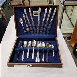 CUTLERY IN CANTEEN