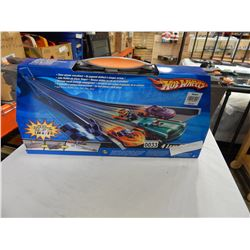 NEW HOT WHEELS 4-LANE RACEWAY